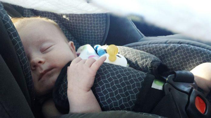 Jak przewozić dziecko w samochodzie