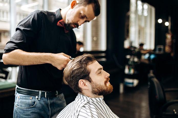 Zapuszczasz zarost? Poszukaj idealnego barber shopu, by przebrnąć przez ten proces bez komplikacji!